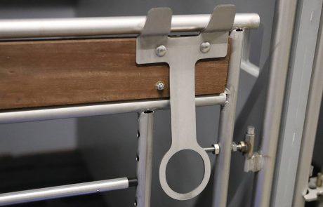 Speenemmerhouder RVS voor de kalverenopfok eenlingbox