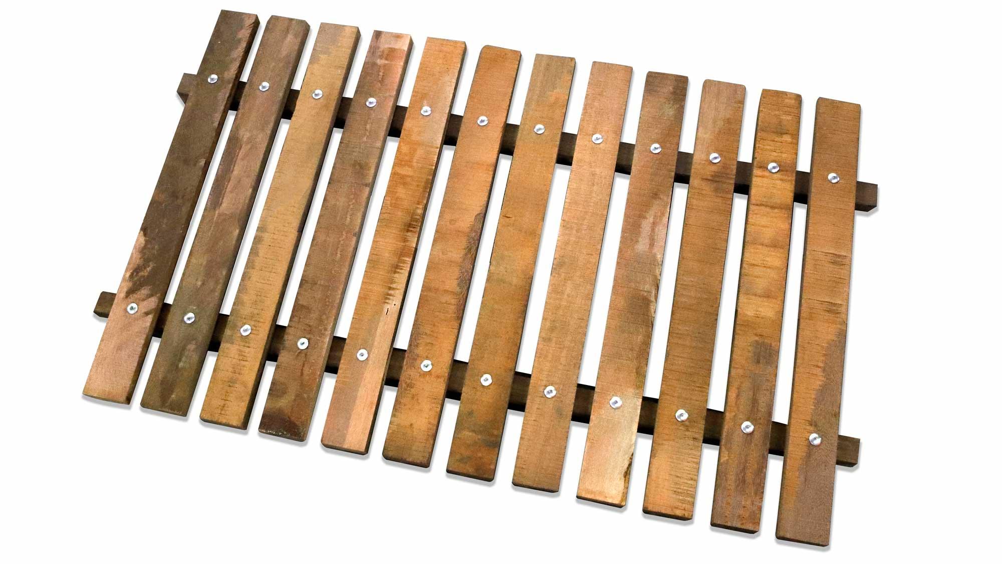 Azobé roostervloer voor kalveren voor een schone droge vloer